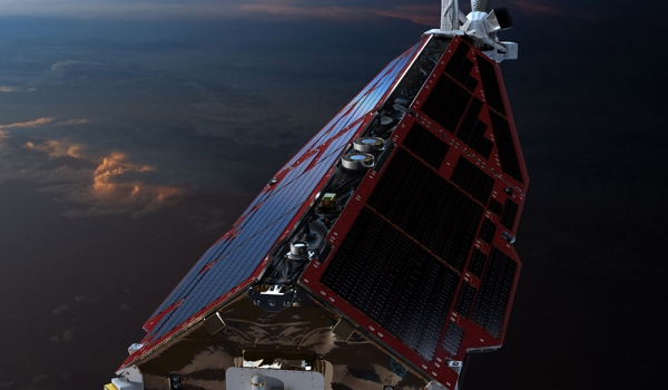 Front_of_Swarm_satellite